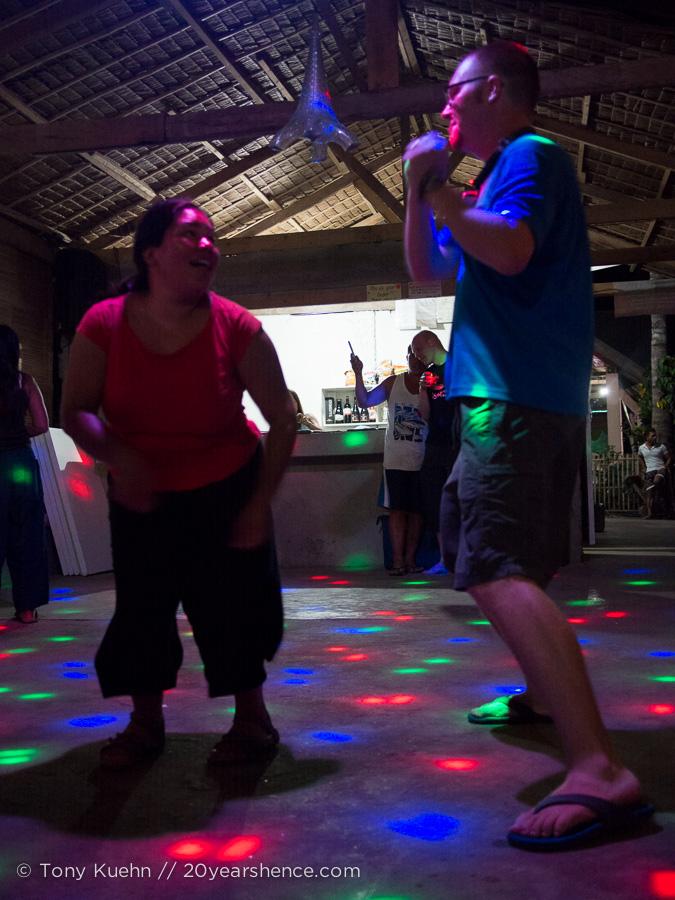 S&T dance it up!