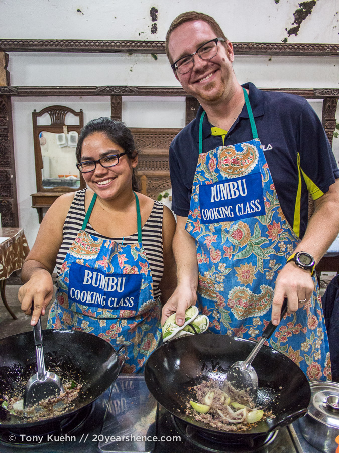 Cooking a curry at Bumbu Cooking Class in Kuching