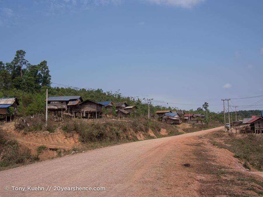 Dusty roads outside Tha Long