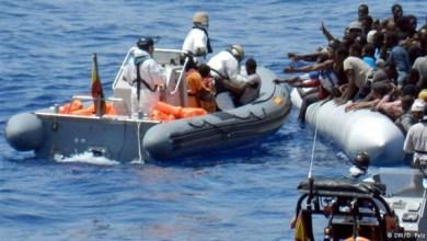 انقاذ 80 مهاجرا