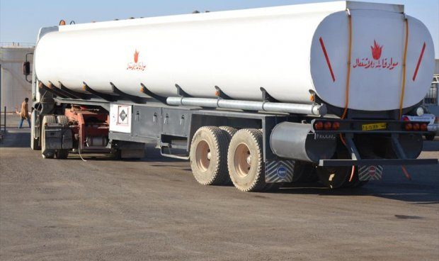شاحنات لنقل الوقود - ارشيفية