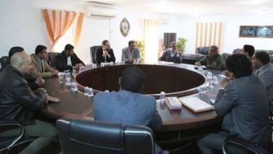 الناظوري في اجتماع موسع لبحث الاتصالات وتطويرها