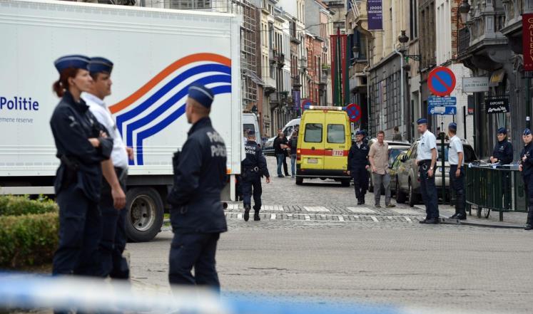 رجال شرطة في موقع إطلاق النار بالمتحف اليهودي في بروكسل (أرشيفية)
