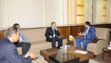 وكيل تعليم الوفاق يتفقّد جامعة طرابلس ويجتمع برئيسها