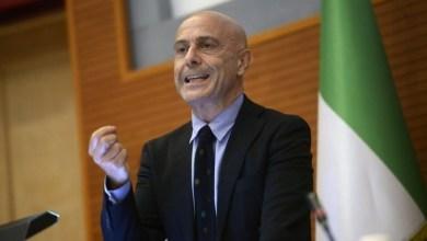 وزير الداخلية الإيطالي ماركو منيتي