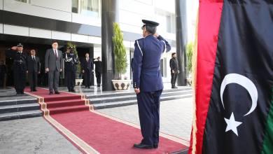 السراج في استقبال السفراء