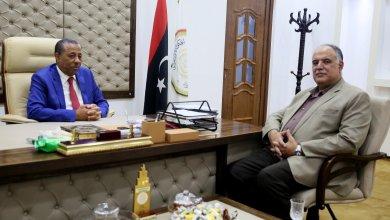 وزير الداخلية المستشار إبراهيم بوشناف وعبدالله الثني