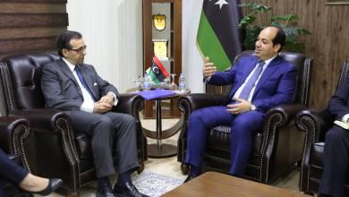 النائب بالمجلس الرئاسي أحمد معيتيق والسفير إسبانيا لدى ليبيا فرانسيسكو دي ميغيل