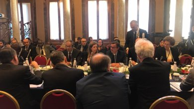 ستيفاني ويليامز خلال جلسة عنيت بالشأن الاقتصادي الليبي ضمن برنامج اليوم الأول لمؤتمر باليرمو