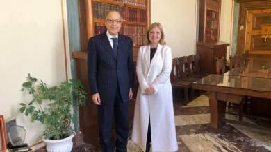 الصديق الكبير مع السفيرة الفرنسية في ليبيا