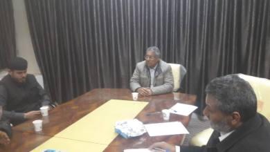 التقى عميد بلدية سبها حامد الخيالي بعدد من المسؤولين في البلدية لبحث سبل الشروع في إزالة الأبنية العشوائية.
