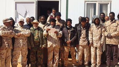منتسبو قوة الدوريات الصحراوية بالحمادة الحمراء يدعمون عمليات الجيش الوطني