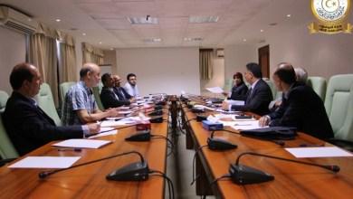 اجتماع وزير مواصلات الوفاق ميلاد معتوق في ديوان الوزارة