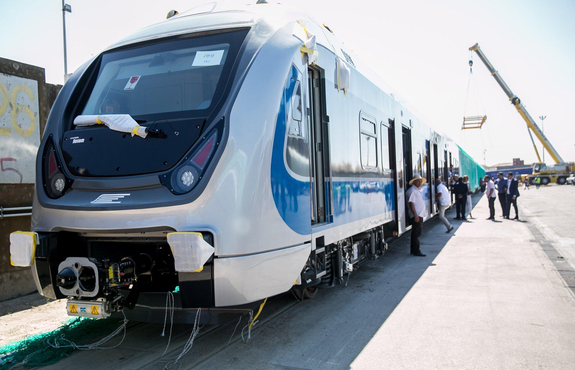 قطارات كهربائية جديدة تنقل 350 ألف مسافر يومياً و عائدات تقدر بــ 500 مليون دينار تونسي