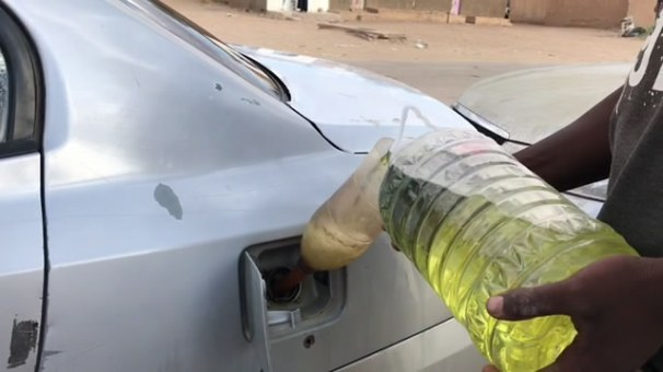 ازمة الوقود تتواصل في المدينة - غات.mp4_snapshot_01.26_[2019.09.19_20.26.10]