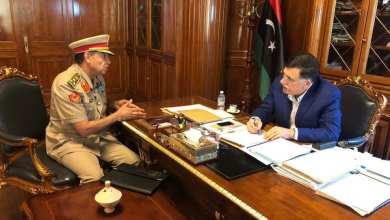 رئيس المجلس الرئاسي فائز السراج يلتقي مع العميد محمود الغزالي آمر الكلية العسكرية بطرابلس