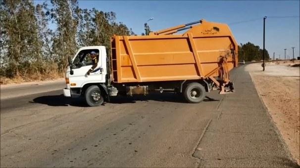 حملة نظافة -وادي البوانيس - مكتب اعلامي.mp4_snapshot_00.21_[2019.11.07_21.37.01]
