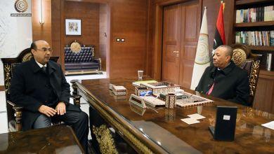 رئيس الحكومة المؤقتة يبحث مع رئيس المجلس التسييري لبنغازي أوضاع البلدية