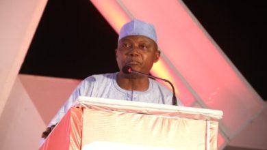 ألقى كبير مساعدي الرئيس النيجيري غاربا شيهو