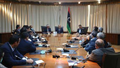 وزير اقتصاد الوفاق علي العيساوي يجتمع مع رئيس غرف التجارة والصناعة محمد الرعيض ورجال الأعمال