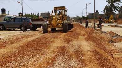 بنغازي .. الكويفية -بدء رصف الشارع الرئيسي بحي بن زريق