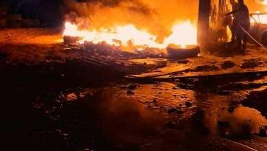 حريق في الجميل يشب في مستودع سوق سوداء لبيع الوقود