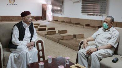 لقاء بين رئيس البرلمان عقيلة صالح ورئيس الحكومة عبدالله الثني في القبة
