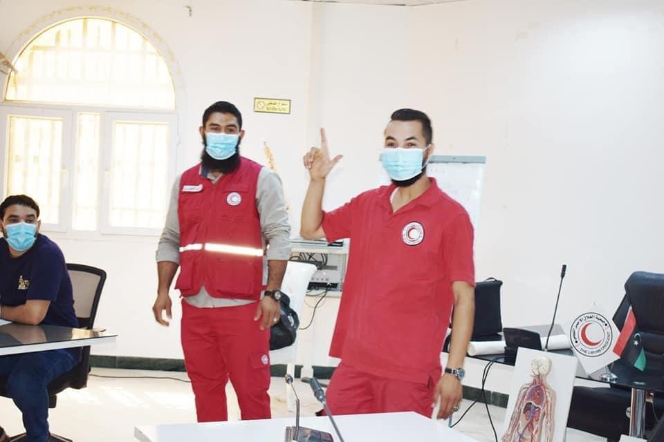 الهلال الأحمر الزاوية يختتم دورة تدريبية لجهاز أمن السواحل طرابلس والزاوية