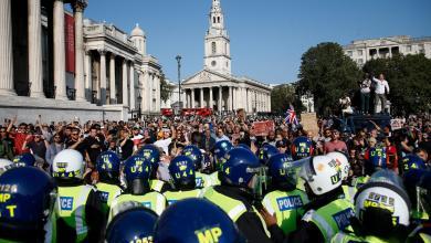 """مظاهرة في لندن لــ 1000 شخص احتجاجاً على إجراءات العزل العام-""""رويترز"""""""