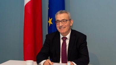 """وزير خارجية مالطا """"إيفاريست بارتولو"""""""