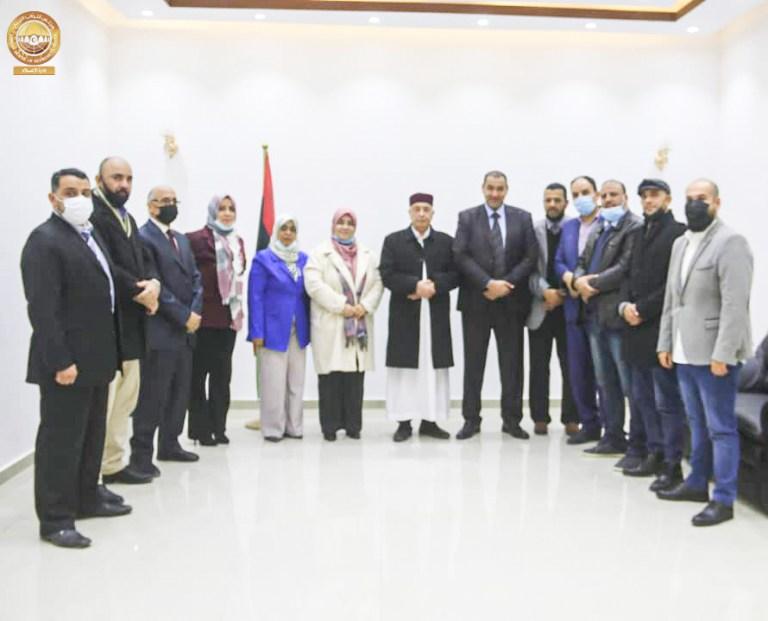 رئيس مجلس النواب يلتقي وفد كلية التقنية الطبية درنة بحضور وزير التعليم بالحكومة الليبية