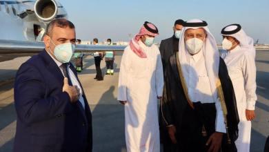 رئيس المجلس الأعلى للدولة خالد المشري لحظة وصوله إلى مطار الدوحة في زيارة إلى قطر