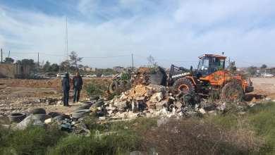 بلدية بوسليم تواصل تنظيف منطقة مشروع الهضبة الخضراء الزراعي