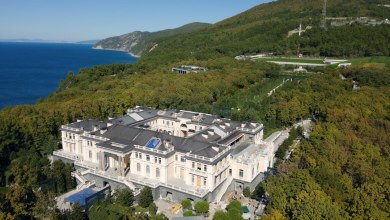 """هل يمتلك فلاديمير بوتين """"القصر الفخم"""" في البحر الأسود؟"""