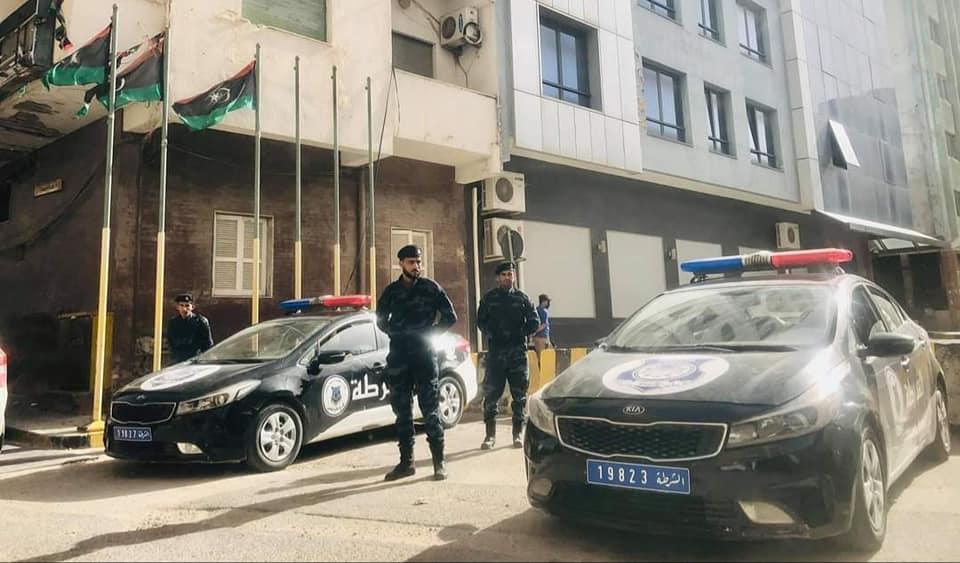 """نشاط مكثف لوحدات """"داخلية الوفاق"""" في طرابلس ويفرن والعجيلات وجادو"""