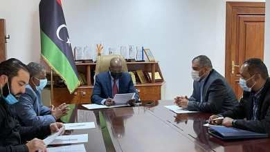 وزير العمل والتأهيل المهدي الأمين رفقة رئيس الجمعية العمومية لمؤسسة رجال الأعمال للتنمية والتطوير