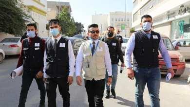 فريق التوعية والإرشاد بمركز الرقابة على الأغذية والأدوية في جولة بشارع الجرابة في طرابلس