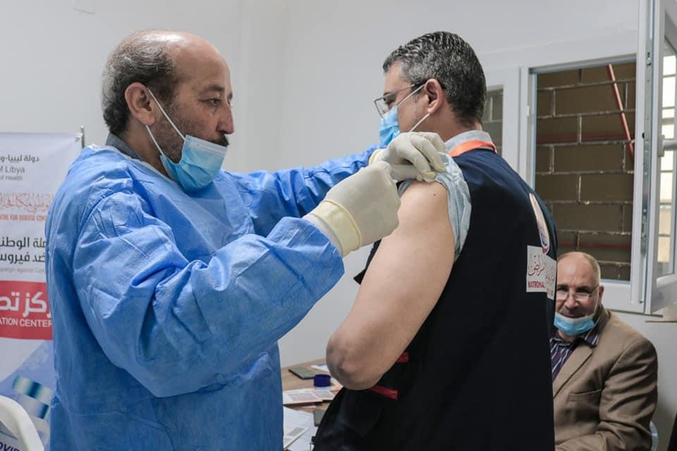 جانب من بدء الحملة الوطنية للتطعيم ضد فيروس كورونا في مصراتة