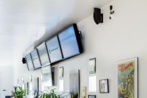 Wall Screens / Video Walls   21st Century Network Cabling
