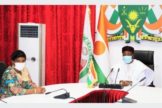 *Togo Presse* : 2e  tour de l'élection présidentielle au Niger : La cheffe de mission de l'OIF Mme Yawa Djigbodi Tsègan  fait le point au président Mahamadou Issoufou