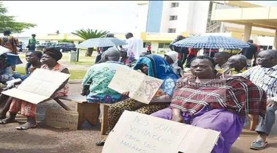 Des malades en greve