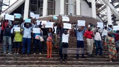 Photo of Cameroun: Human Rights Watch demande au Gouvernement de lever les interdictions de manifester du MRC