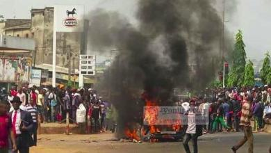 """Photo of Cameroun : Émeutes à Yaoundé après le meurtre d'un conducteur par la police municipale """"AWARA"""""""