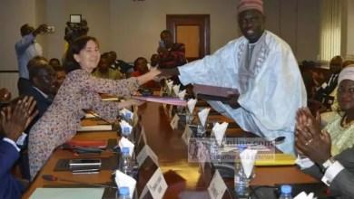 Photo of Lutte contre la pauvreté: Deux conventions de financement signées avec la banque mondiale