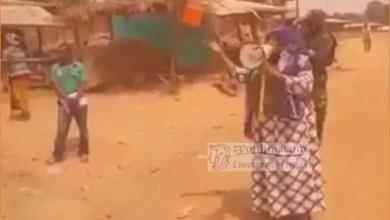 Photo of Ndop : Sous protection d'hommes en armes, un sous-préfet appelle à déposer les armes « au nom de Jésus » [VIDEO]