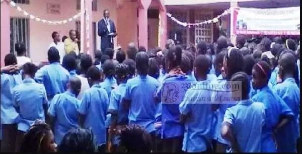 Des élèves durant le rassemblement