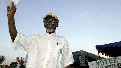 Photo of Jean Jacques EKINDI en colère contre le sous préfet de Douala 1er