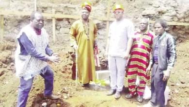 Photo of Cameroun: Le chef Bafoussam à couteaux tirés contre ses frères