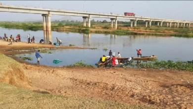 Photo de Garoua : Les eaux noires du fleuve engloutissent très souvent les baigneurs