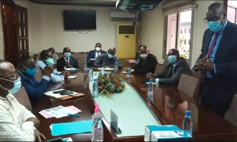 La douane camerounaise et Bolloré evalue CAMCIS